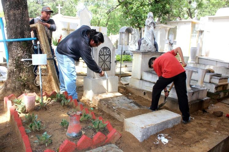 1-reparación-de-tumbas