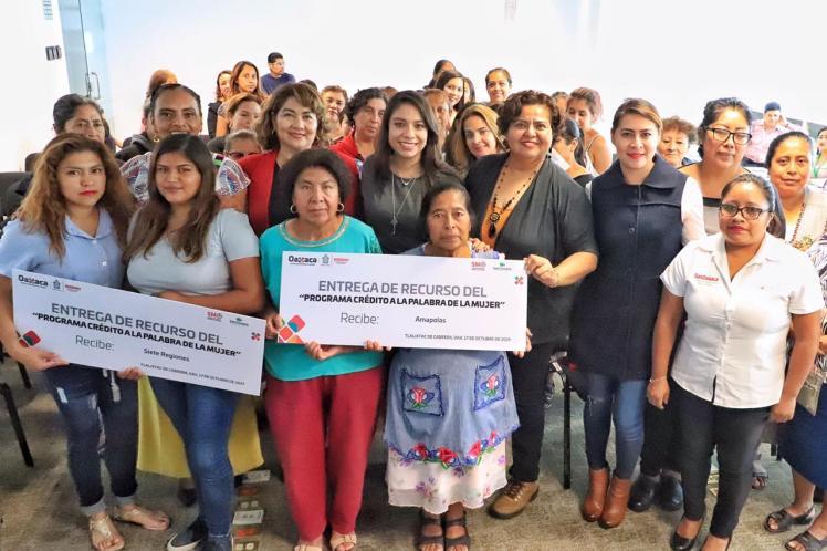 ENTREGA DE CREDITOS A LA PALABRA DE LA MUJER - VALLES CENTRALES (2)