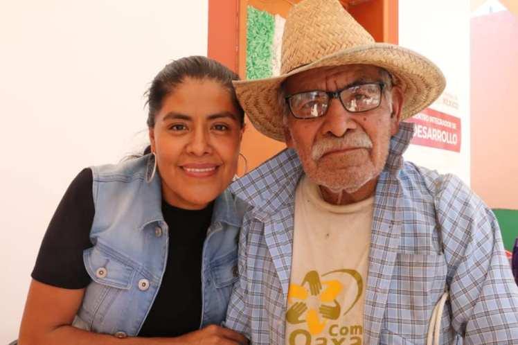 SEPIA- Ver a Oaxaca con Amor
